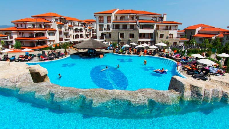 vineyards resort pool